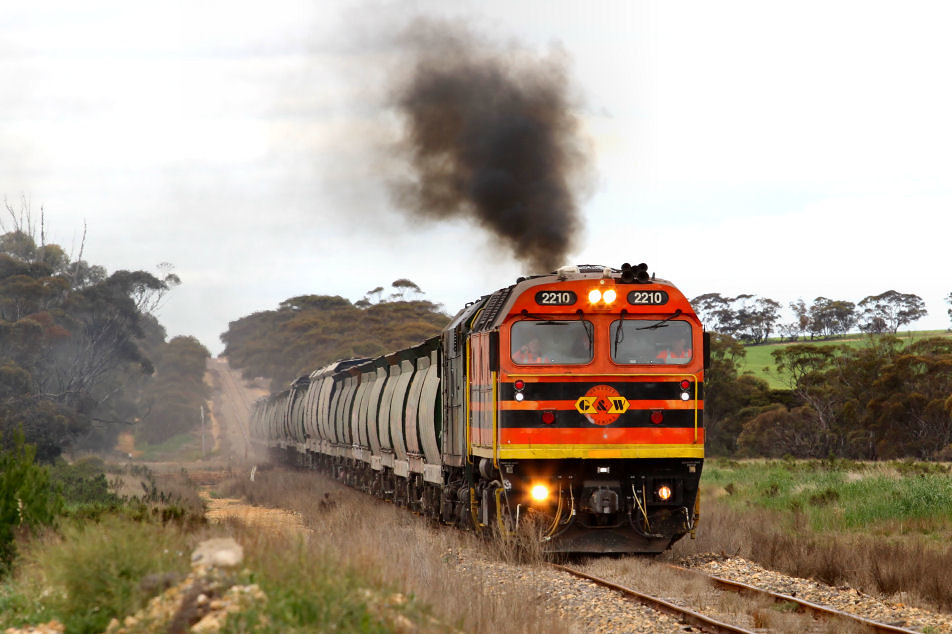 2210 701 3142s Loaded Allawoona Grain Wynarka 12 08 2012 by Daven Walters