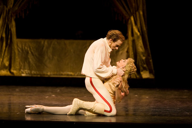 Edward Watson as Crown Prince Rudolf and Iohna Loots as Princess Stephanie in Mayerling © ROH / Bill Cooper 2009