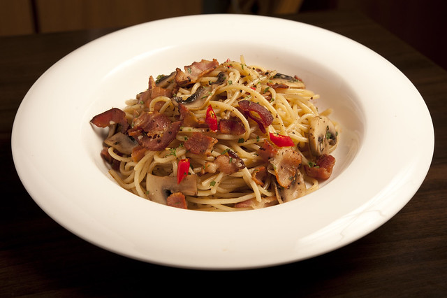 Blue Mountain Cafe-Bacon Aglio Olio-4