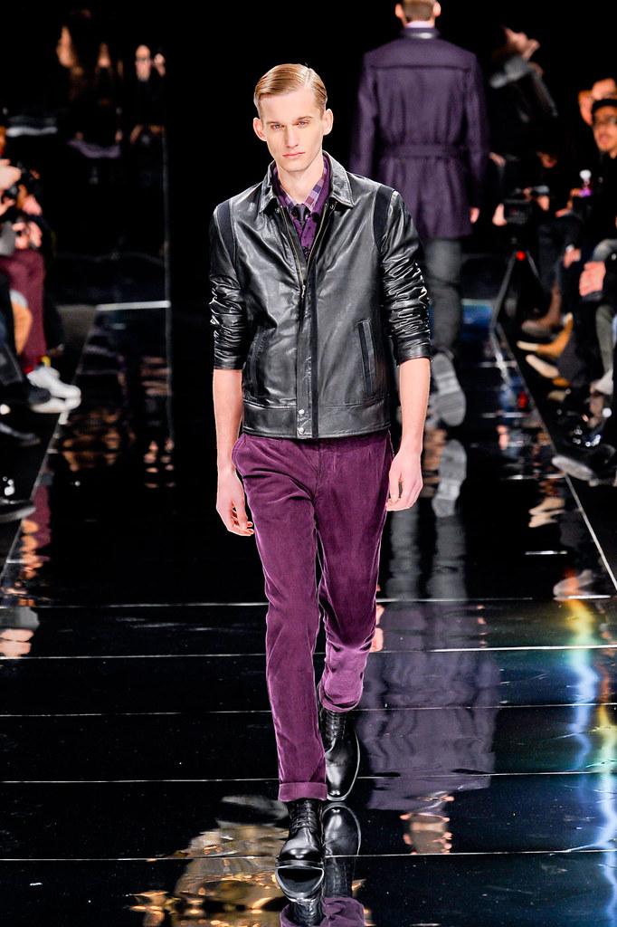 Dennis Jager3098_1_FW12 Paris Bill Tornade(fashionising.com)