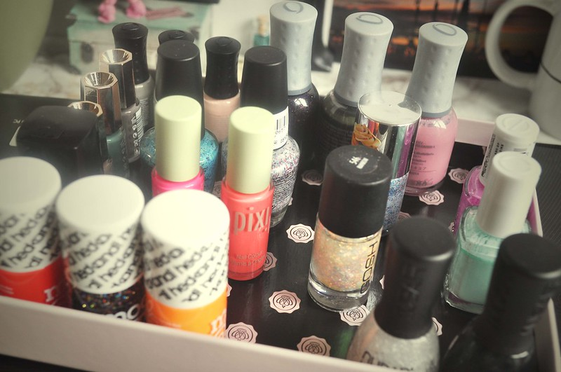 10 nail polishes