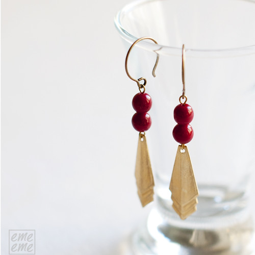 Earrings,Vintage,raw,brass,triangles,dawanda,etsy,red,glass,beads,jewelry,handmade,emeeme,pendientes,art deco,rombos,cuentas,cristal,rojo