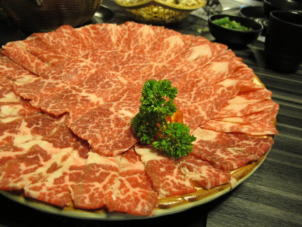Beef in Hot Pot 肥牛 ...