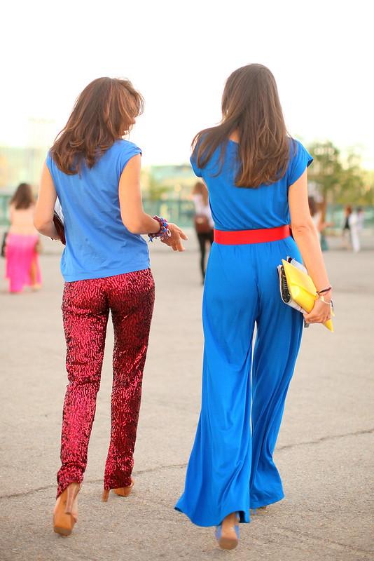 The lisbon tailor mother and daughter in agatha ruiz de - Carrelage agatha ruiz dela prada ...