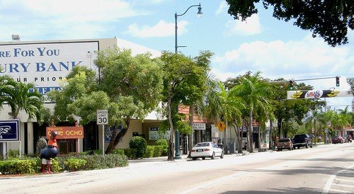 Calle Ocho, Little Havana (by: Marc Averette, Wikimedia Commons)