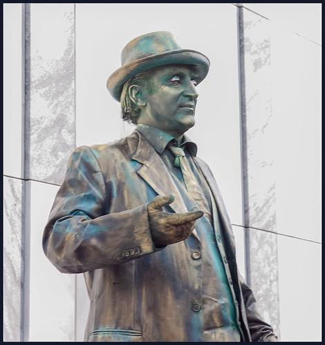 levend standbeeld (15) by hans van egdom