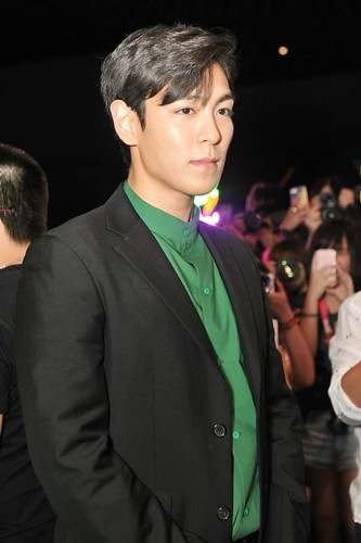 TOP-MCL-StageGreeting-HK-20140927_9