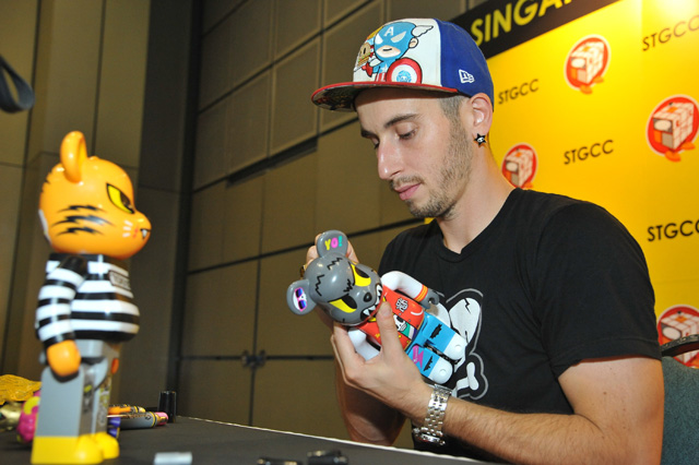 Cult favourite, Simone Legno, creator of the popular tokidoki brand, signing autographs for fans at the STGCC Walk of Fame