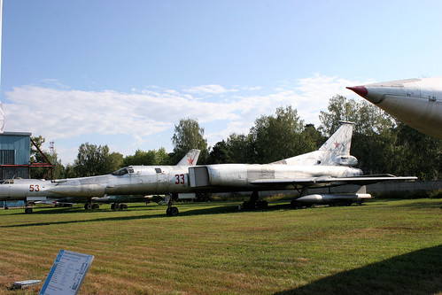 Tupolev Tu-22M0 33 red