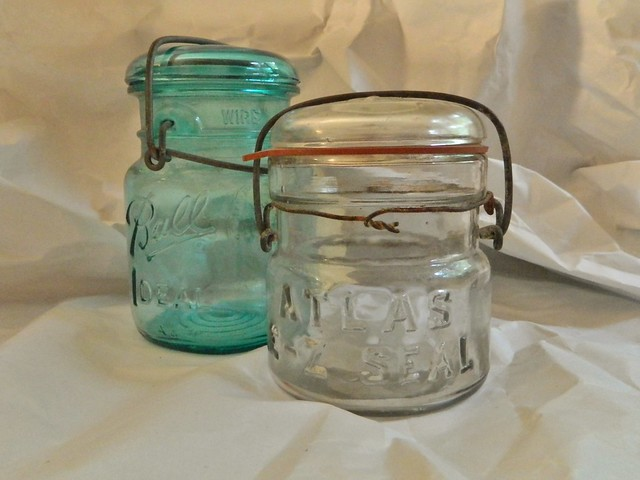 antique ball jars via homeologymodernvintage.com