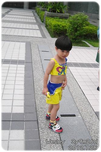 120728-穿上舞衣的小幼生 (1)