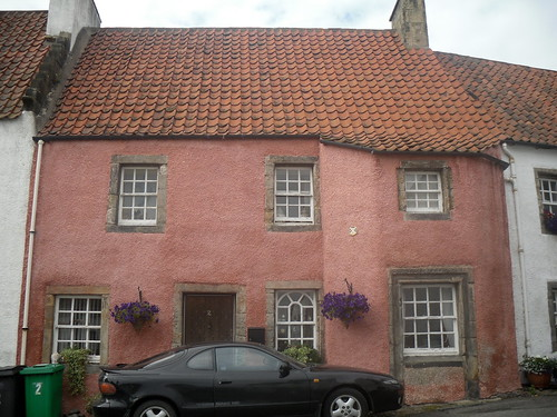 pink house in Culross, Fife