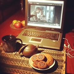 #doctorwho #tea & #biscuits = perfect Saturday evening^ #TardisMug #iPlayer #DinosaursonaSpaceship ☕