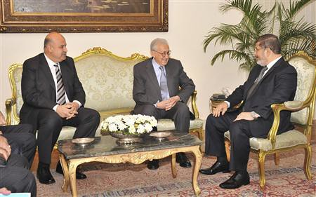 Egyptian President and Vice-President with United Nations envoy to Syria. Egypt will host a meeting on the Syrian crisis. by Pan-African News Wire File Photos