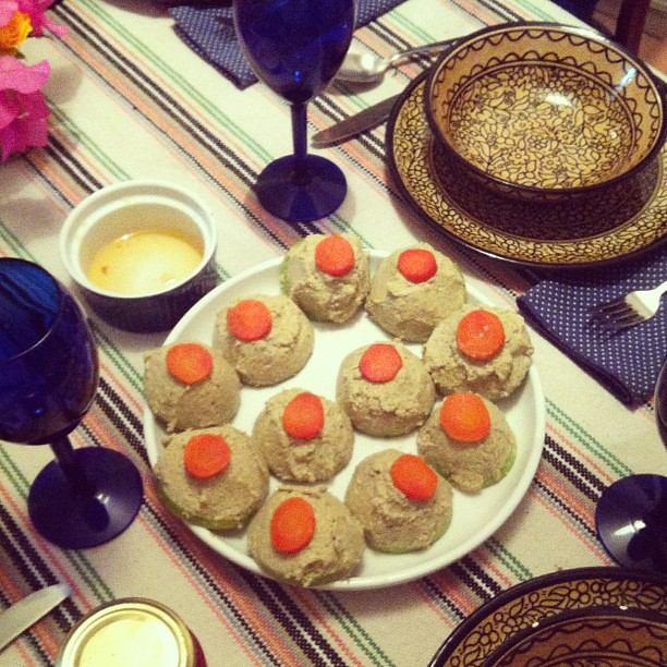 My sister in law's vegetarian gefilte fish on apple slices!