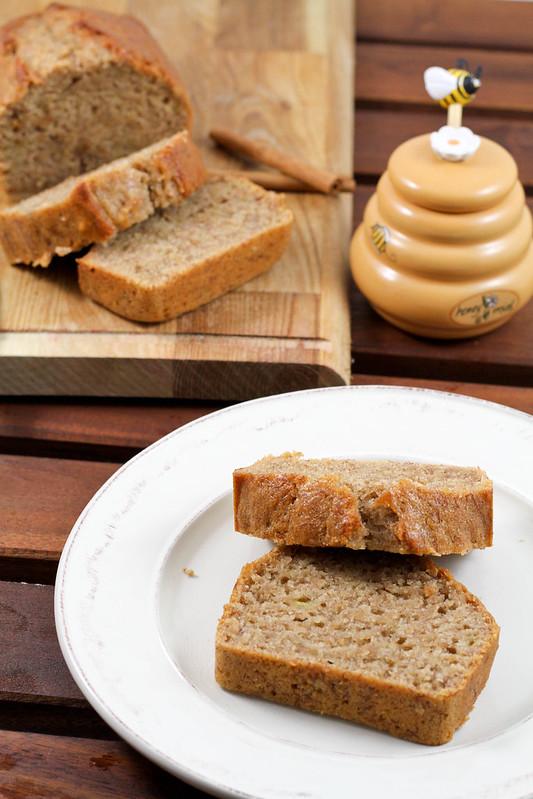 Banana Bread with Cinnamon and Honey2