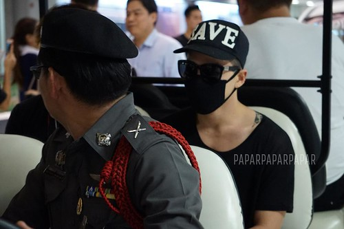Big Bang - Thailand Airport - 10jul2015 - papar_papiyong - 02