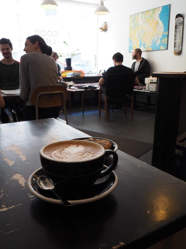GOOD LIFE CAFÉの店内