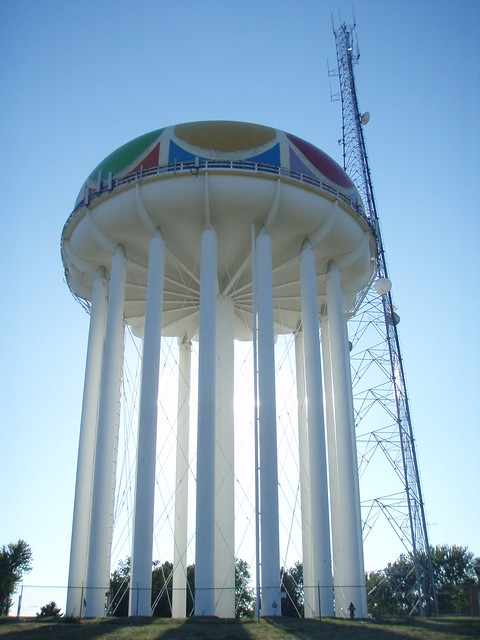 Water tower near Worlds of Fun...KC | Flickr - Photo Sharing!