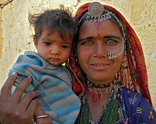 tribal woman & child, Jaisalmer