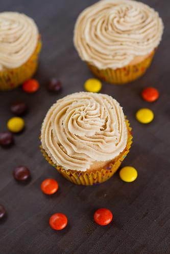 Peanut Butter Cupcakes-003.jpg