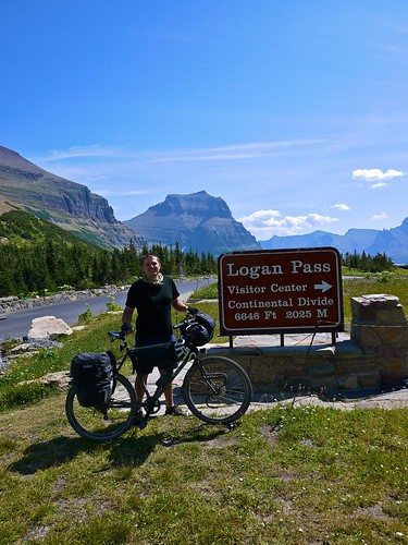 Logan Pass, Going to the Sun Road