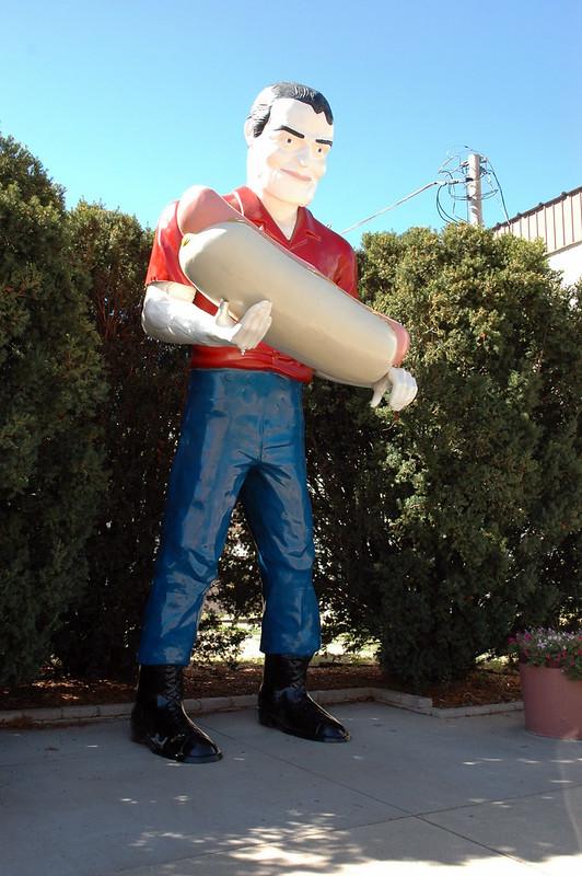 The Bunyon Giant (Hot Dog Man), Atlanta, IL