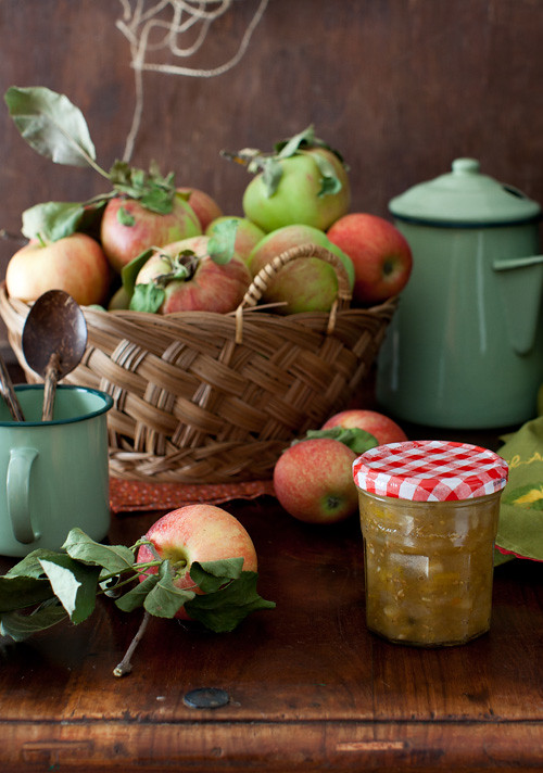 Apple and Yelow Tomato Chutney 1