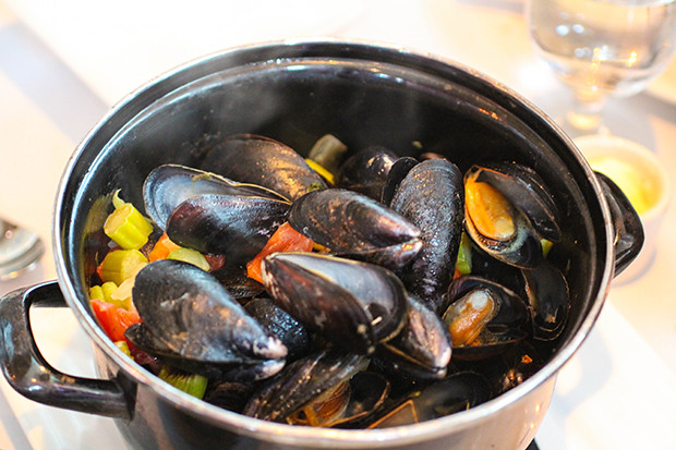 Moules Asperge, Brasserie Belge, Sarasota, FL
