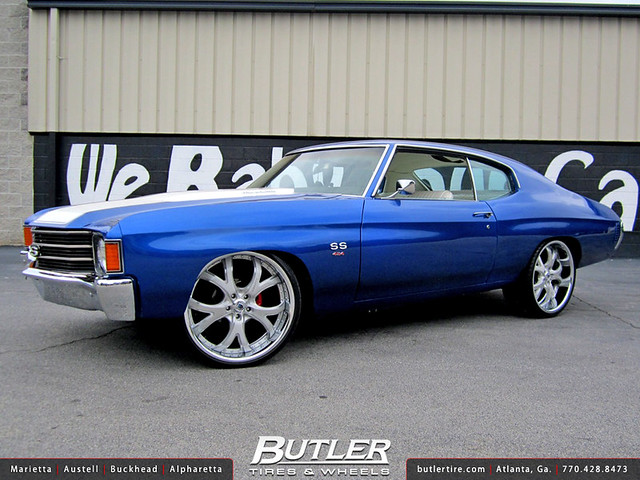 1972 Chevy Chevelle with 22in Asanti AF143 Wheels