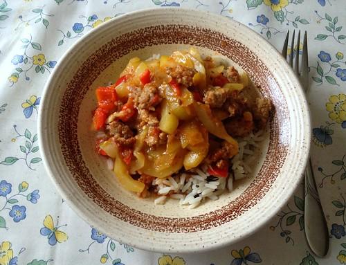 Zucchini-Paprika-Topf mit Hackfleisch / Zucchini bell pepper stew with ground meat