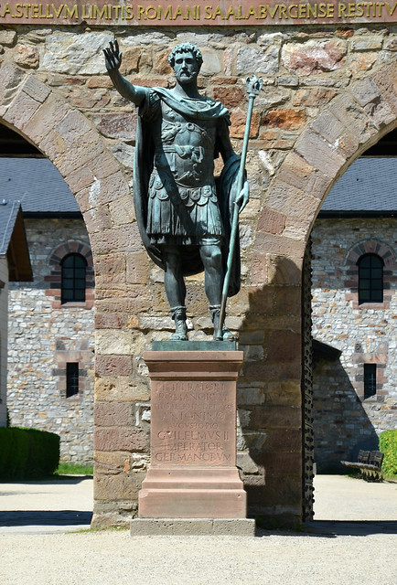 Statue of Antoninus Pius (copy) at the entrance of Saalburg, the modern inscription in Latin over the gate says that Wilhelm II reconstructed the fort in memory of his parents, Saalburg Roman Fort, Limes Germanicus, Germania (Germany)