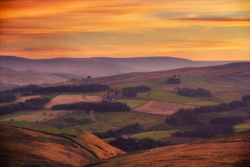 pink sunset red summer england sky landscape countryside scenery hill valley moors layers 2012 codurham weardale canoneos60d tamron18270