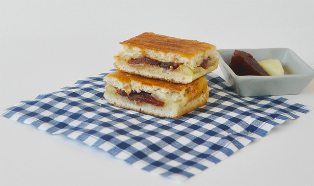 manchego guava grilled cheese1