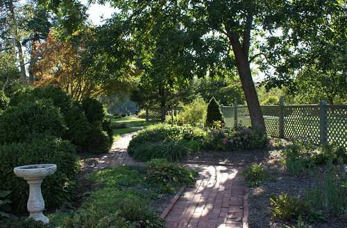 Summerseat Farm garden path, Mechanicsville