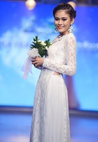 áo dài cưới 2012