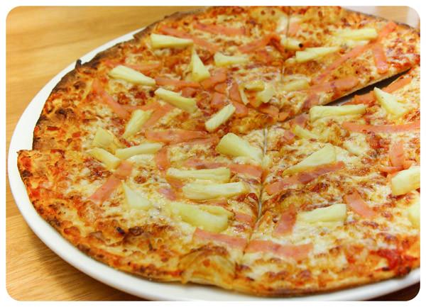 California-Hawaiian-Pizza