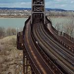 88c222: Kentucky approach to K&I (Kentucky and Indiana) Bridge