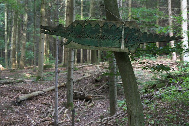 Alligator sign, Black Forest