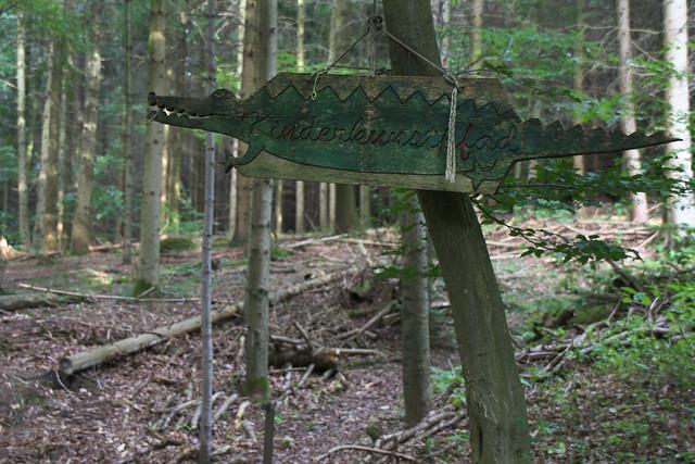 Alligator sign, Black Forest