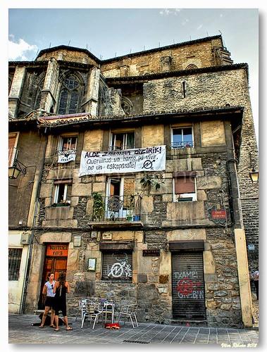Queremos un barrio pa vivir no un eskaparate! by VRfoto
