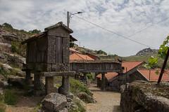 Espigueiro y Castillo