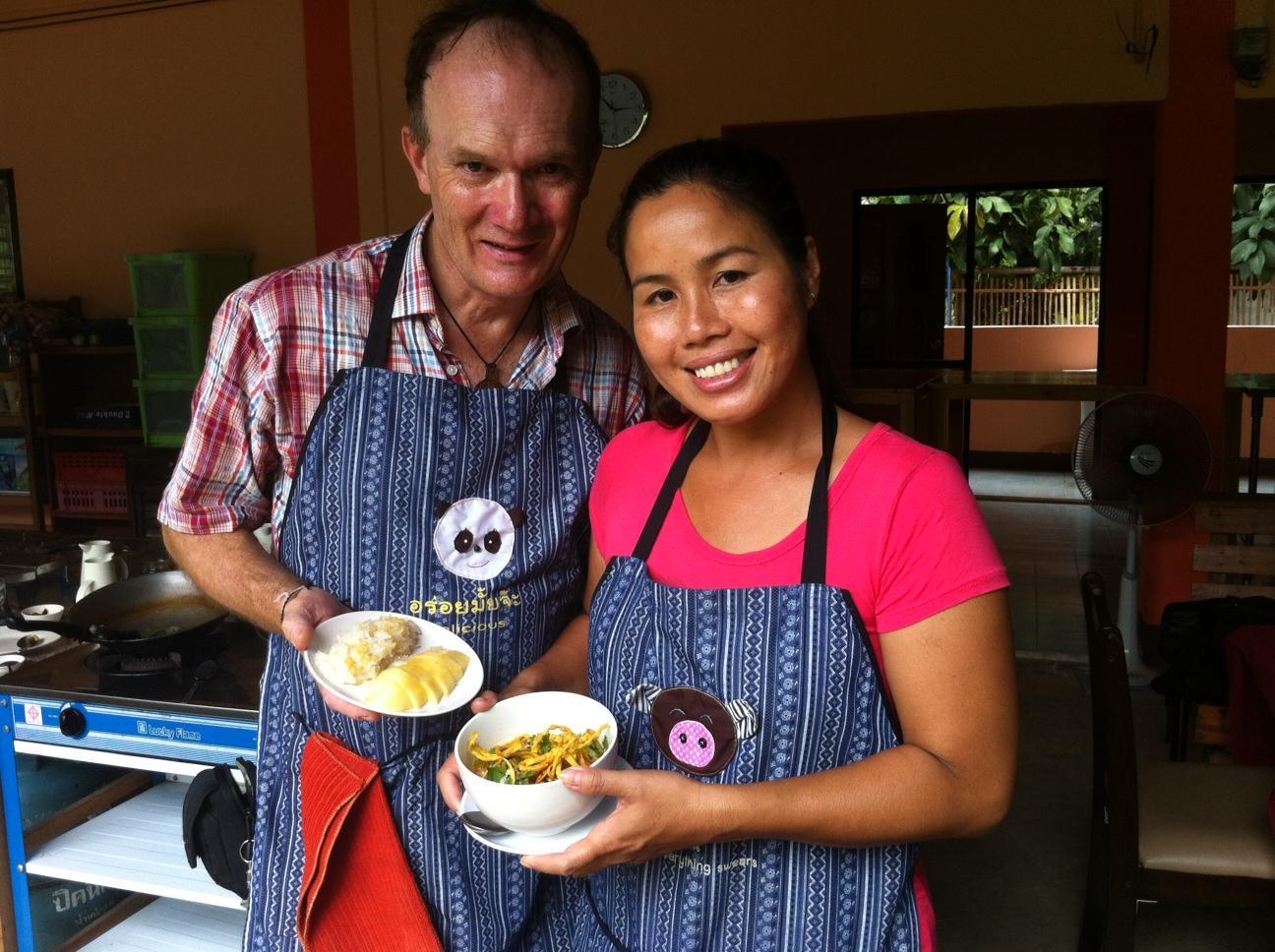 Brian K. Smith and Methanee Konpet at Smart Cook Thai Cookery School