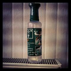 Eye wash emergency bottle