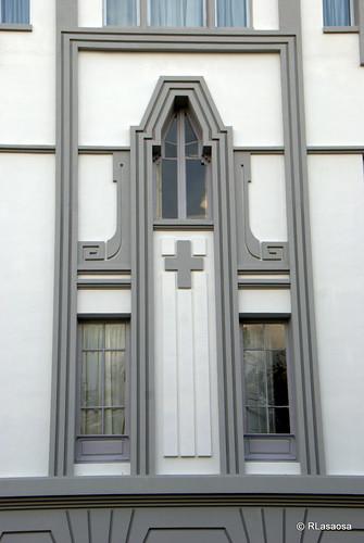Ventanas del edificio del Servicio Doméstico