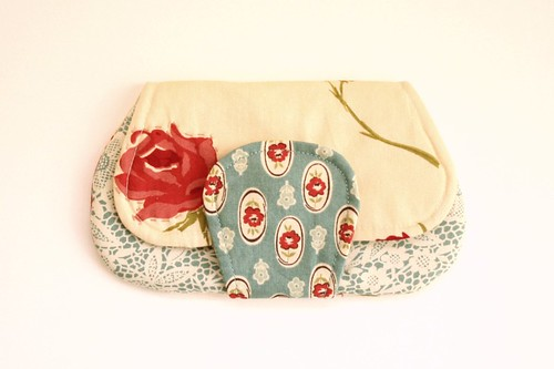 roses pocket clutch