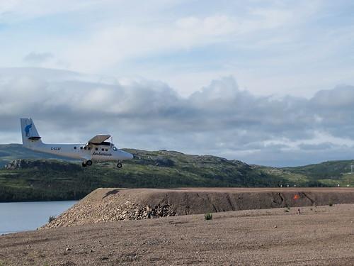 Air Labrador Twin Otter plane landing in La Tabatiere (ZLT)