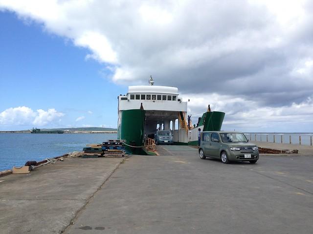 平良港の高速フェリー