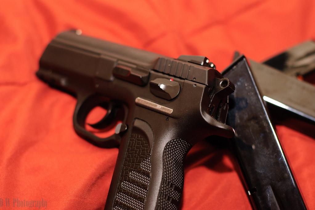 EAA Witness Compact Poly 9mm - Semi-Auto Handguns