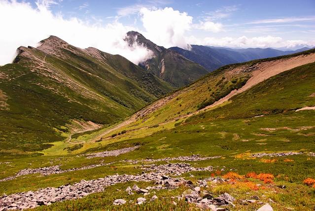 登山道からの秋の風景